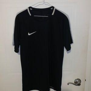 Nike dry fit tshirt size medium
